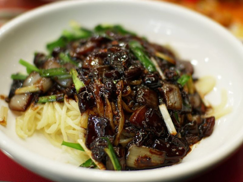 korean-black-bean-paste-noodle-jajangmyun