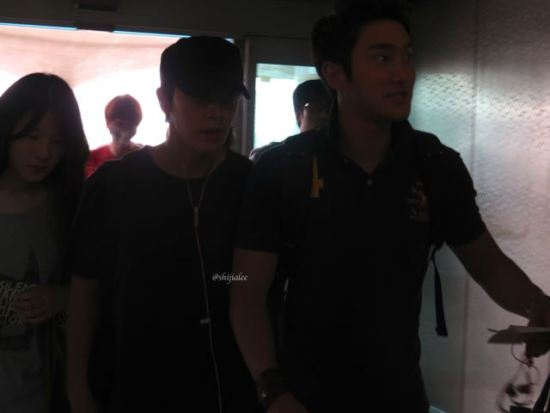 130526-super-junior-at-gimpo-airport-to-busan-by-shijialee-5