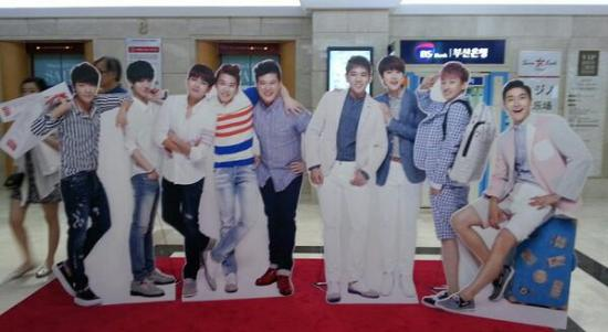 standee3